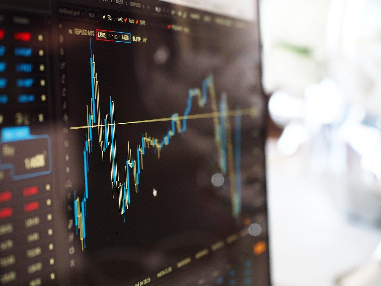 astuce trader variantas binaire kaip uždirbti pinigus ir